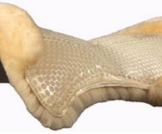 ACavallo gel pad Lammfellunterseite, vorne erhöht. Transparent/Natur.